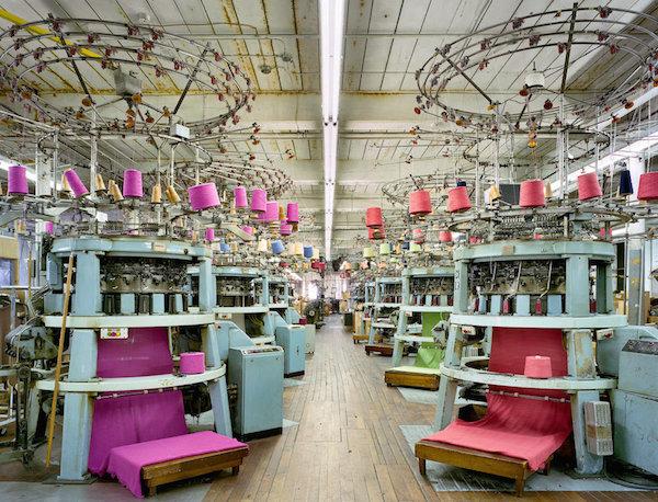 Macchinari tessili nella fabbrica di Fall River, in Massachusetts. (Textiles - Christopher Payne)