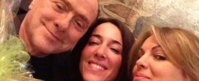 Il selfie di Silvio Berlusconi