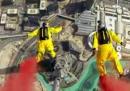 Lanciarsi dal grattacielo più alto al mondo