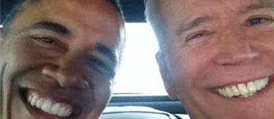 Il selfie di Joe Biden con Obama