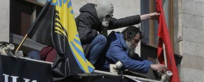 Barricate e bandiere russe in Ucraina