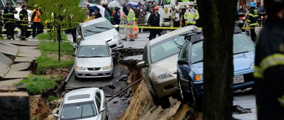 Il crollo di una strada a Baltimora – video