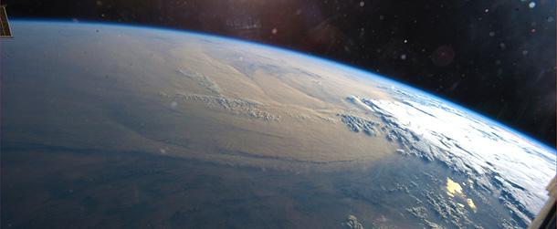 La terra vista in diretta dallo spazio in hd il post for Foto spazio hd