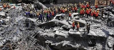 Il crollo di un edificio di undici piani a Chennai, in India