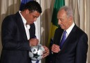 Shimon Peres, Ronaldo