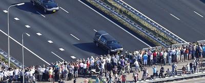 L'arrivo in Olanda dei morti del volo MH17