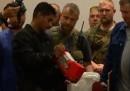 I corpi del volo MH17 verso i Paesi Bassi
