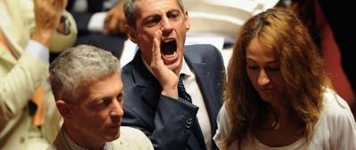 Foto di una giornata complicata in Senato