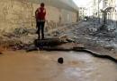 I crateri delle bombe trasformati in piscine ad Aleppo
