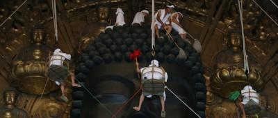 La pulitura del Grande Buddha – foto