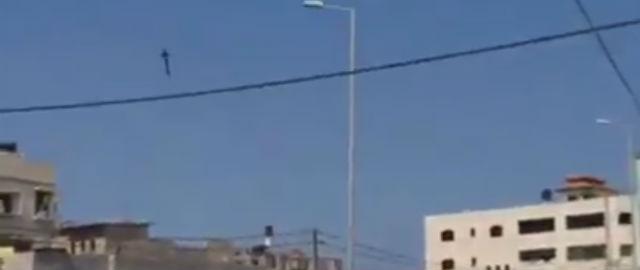 Com quando una bomba israeliana colpisce una casa a gaza for Quando costruisci una casa