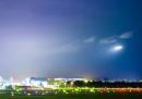 Le scie luminose degli aerei