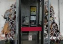Il disegno di Banksy a Cheltenham, sfregiato