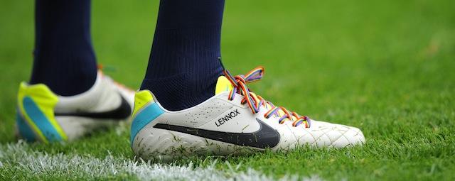 sconto più basso a basso prezzo scarpe sportive La campagna contro l'omofobia nel calcio del Regno Unito, coi ...