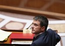 Il governo francese si è salvato, per ora