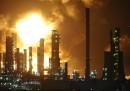 L'incendio alla raffineria a Milazzo - video