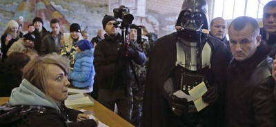 Il video di Darth Vader respinto ai seggi ucraini