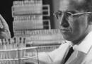 La storia di Jonas Salk, nato 100 anni fa