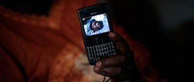 Fermeremo ebola coi cellulari?