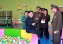 Le foto di Kim Jong-un in un orfanotrofio