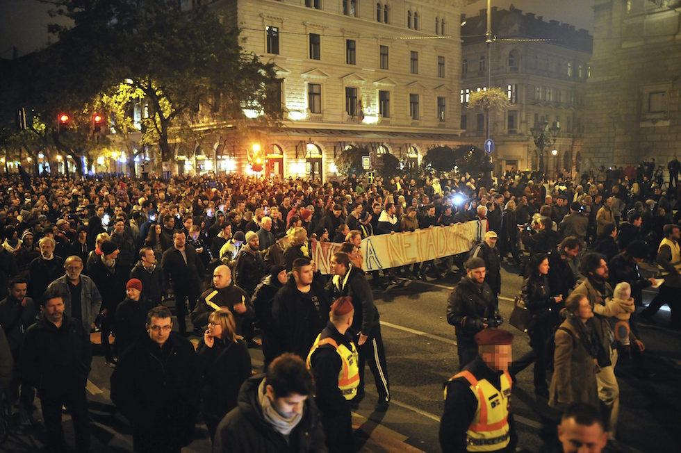 Le proteste a budapest contro la tassa su internet il post for Tassa di soggiorno budapest