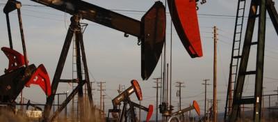 4 ragioni per cui il petrolio costa meno