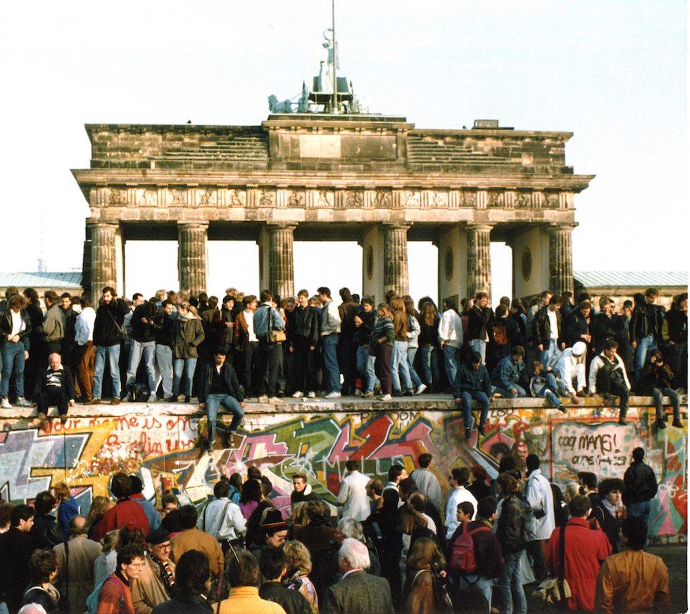 Caduta Il Del Giorno Berlino Muro Post Della Di 4jq35ARL