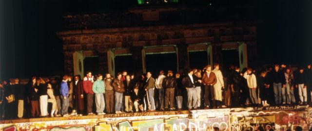 La storia della caduta del Muro di Berlino
