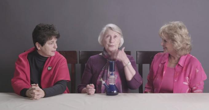 Nonne che fumano marijuana per la prima volta