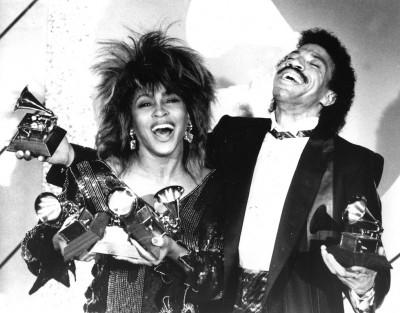Tina Turner, Lionel Richie e 5 Grammy