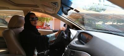 Le assurde accuse contro due donne saudite per avere guidato una macchina