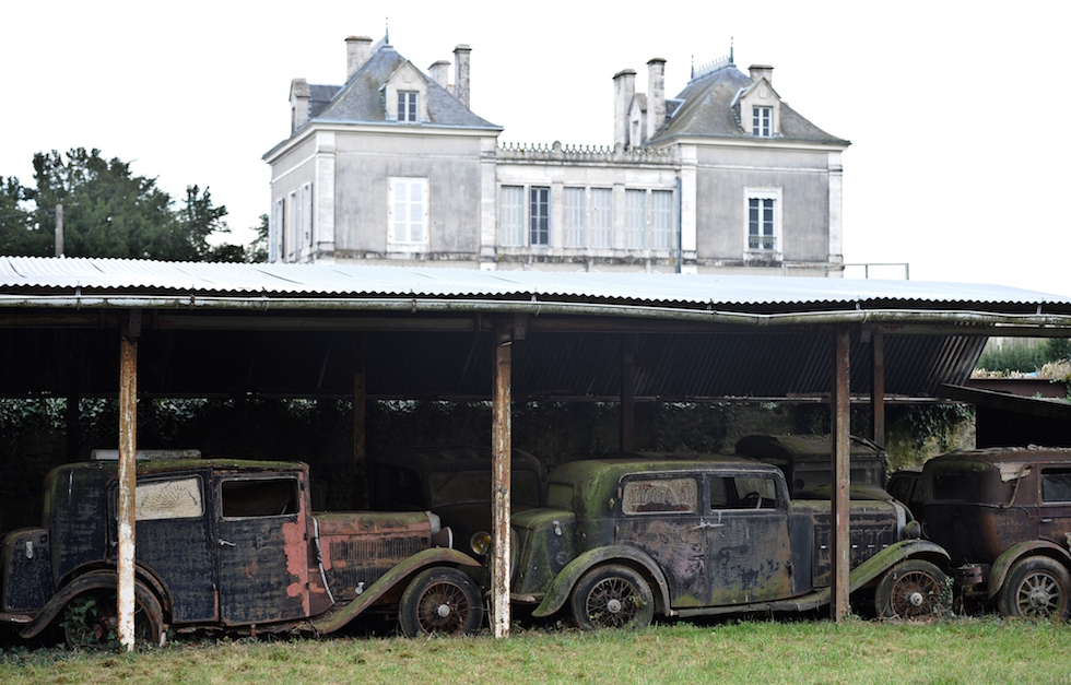 Le foto delle auto d 39 epoca ritrovate in francia il post for Foto case giapponesi