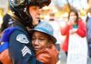 La foto dell'abbraccio di Portland
