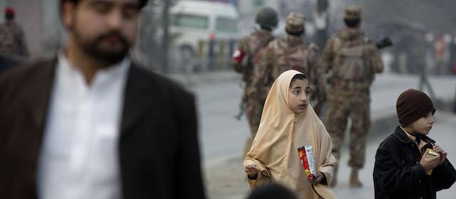 attacco scuola Peshawar