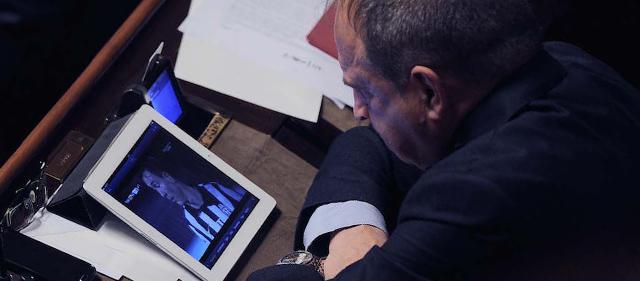 Le foto di gioved in senato il post for Lavori senato oggi