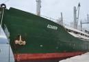 Un'altra nave di migranti abbandonata