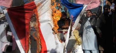 Le proteste contro Charlie Hebdo in Pakistan