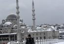 Le foto della neve a Istanbul