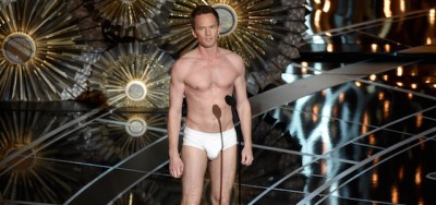 Il video di Neil Patrick Harris in mutande agli Oscar