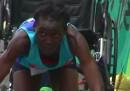Il video di Hyvon Ngetich che conclude la maratona di Austin a carponi