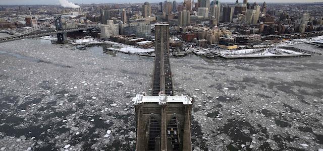 Le nuove foto spettacolari di manhattan ghiacciata il post for How far is hudson ny from nyc