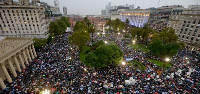 La grande manifestazione per Alberto Nisman