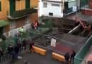 La grande voragine nel quartiere Pianura di Napoli - video