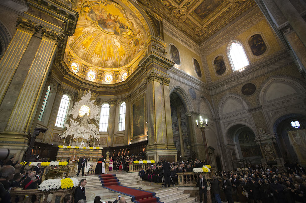 cosa pensa papa francesco sugli omosessuali Novara