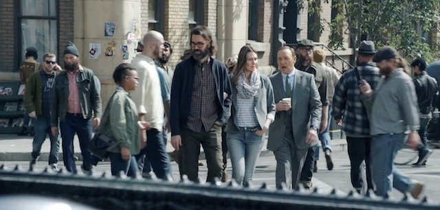 Lo spot con Kevin Spacey contro le barbe lunghe