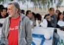Renato Accorinti, sindaco di Messina, non è stato fatto entrare all'Assemblea regionale siciliana perché non indossava la cravatta