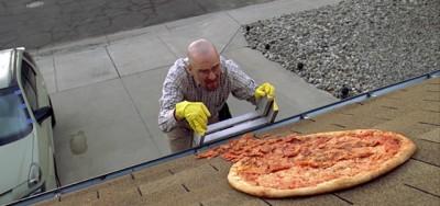 Quelli che tirano le pizze sulla casa di Breaking Bad