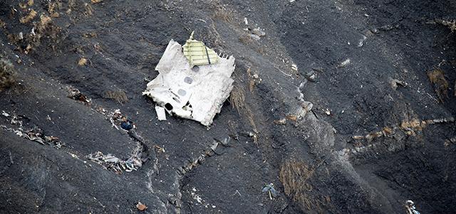 Risultati immagini per schianto aerei francia