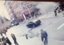 Il video dell'esplosione dei palazzi nel centro di New York