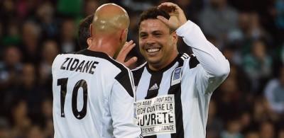 Le vecchie glorie del calcio a Saint Étienne